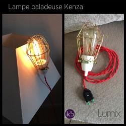 Lampe baladeuse Kenza - câble torsadé rouge, douille porcelaine et cage US