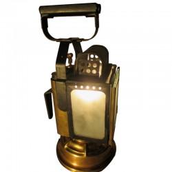 Ancienne lanterne SNCF - 1940 - restaurée et électrifiée